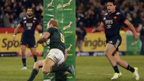 Boks romp home against France