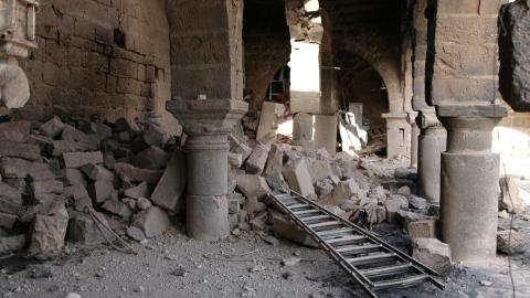 Syrian army and allies step up bombings in Deraa