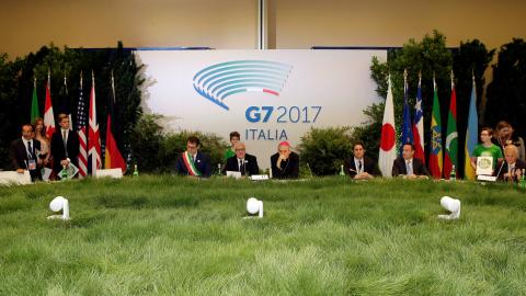 US refuses to sign G7 pledge to Paris climate accord