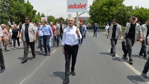 Thousands rally in Turkey after opposition lawmaker jailed