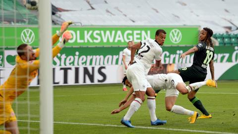 Frankfurt snatch 2-1 victory at Wolfsburg to snap winless run