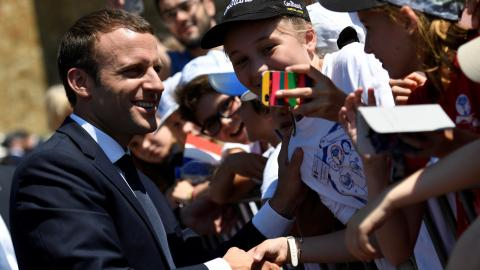 Macron's government promises to renew politics in France