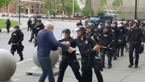 New York policemen suspended for injuring 75-year-old man during protests