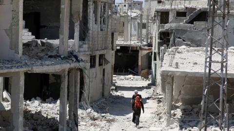 Regime army resumes air strikes in Syrian city of Daraa