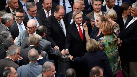 German parliament backs plans to withdraw troops from Turkey