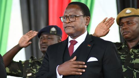 Malawi opposition leader Lazarus Chakwera sworn in as president
