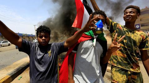 Protests resume in Sudan amid calls for more reforms