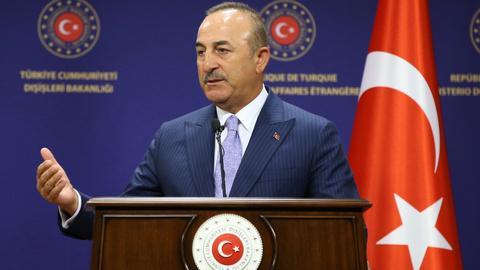 Turkey: 'France trying to increase Russia's presence in Libya'