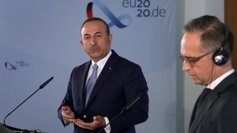 Turkey demands apology from France over naval row