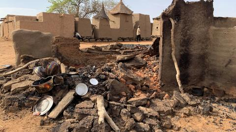 At least 32 killed in attack on Mali village