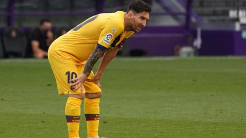 Sloppy Barca grind out win over Valladolid to stay on Real's heels