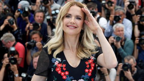 'Sparkly-eyed' actress Kelly Preston dies of breast cancer