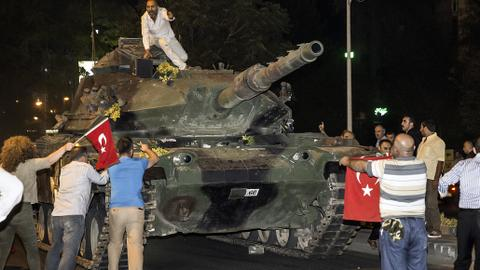 Turks remember the defeated coup and a night of valour