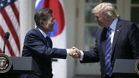 Trump-Moon talks expose division on trade, resolve on North Korea