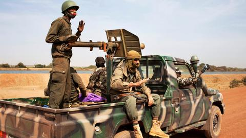 Soldiers killed in twin attacks in central Mali