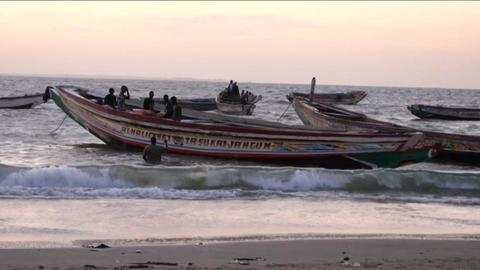 Boat carrying dozens of migrants sinks off Mauritania coast
