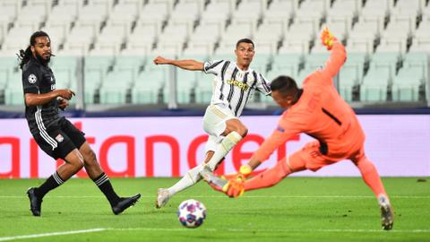 Olympique Lyon stun Juventus despite Ronaldo brace
