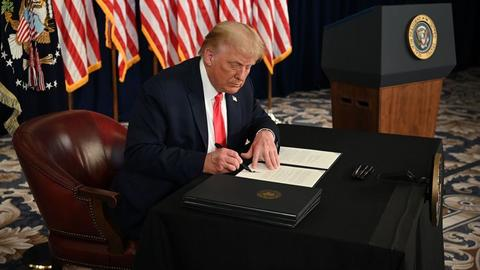 Trump signs orders extending Covid-19 relief, defers payroll tax