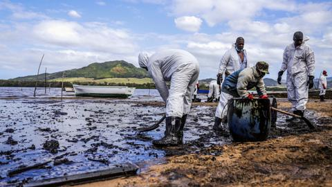 Mauritius scrambles to contain second oil spill from damaged tanker