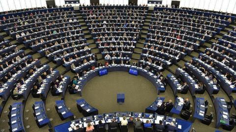 European Parliament votes to halt Turkey accession talks