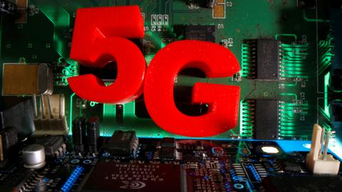 US to increase 5G growth by auctioning off midband spectrum