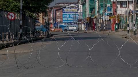 Indian police in Kashmir investigate army's alleged staging of gun battle