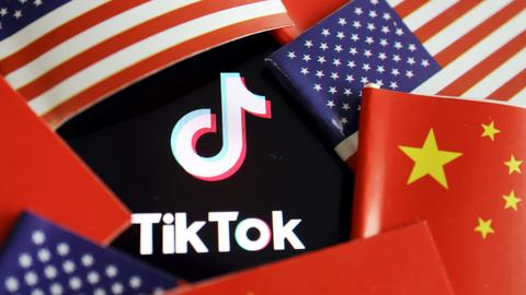 US judge suspends Trump ban on TikTok downloads