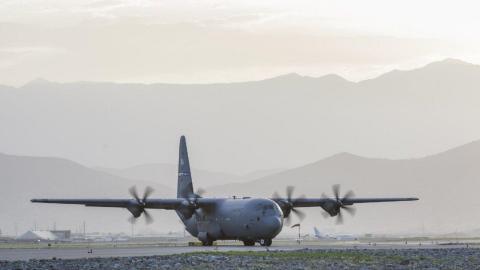 US military plane crashes in Mississippi killing 16