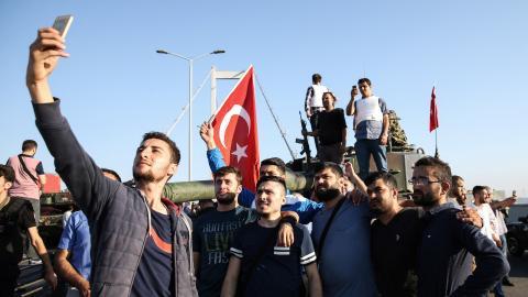Here's how Turkey's failed coup unfolded on social media