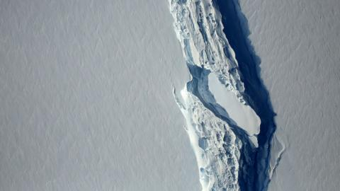 Trillion-tonne iceberg breaks off Antarctica