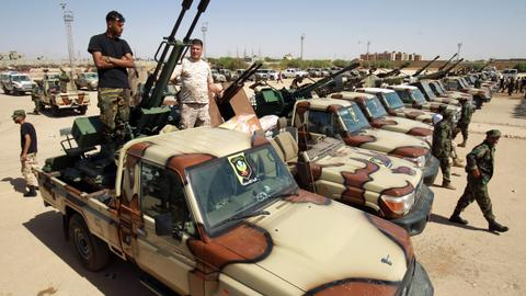 Why is Khalifa Haftar mobilising troops in eastern Libya?