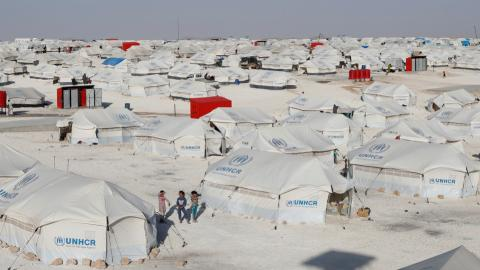 UN says civilians fleeing Raqqa in droves but thousands still trapped