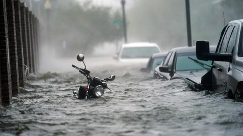 Hurricane Sally drenches US Gulf coast, trapping hundreds