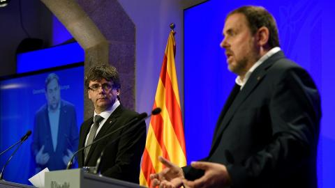 Catalonia government faces resignations over referendum doubts