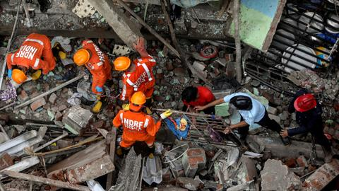 India building collapse: Death toll climbs as rescue work continues