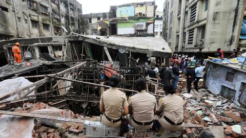 India building collapse: More bodies found as hopes of survivors dim