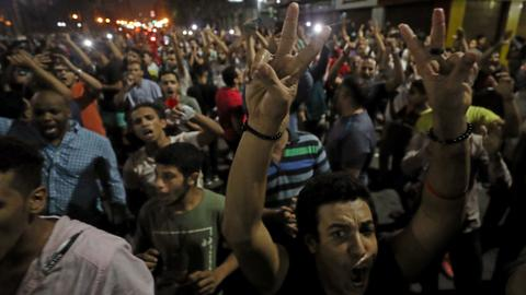 Clashes erupt in anti-government protest in Egypt