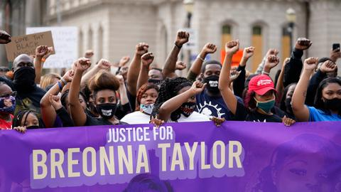 Breonna Taylor's family calls for release of grand jury transcripts