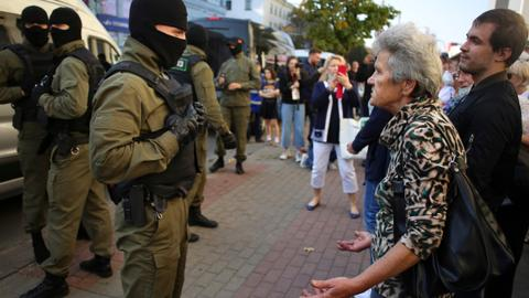 Belarusian police arrest scores in protest against President Lukashenko
