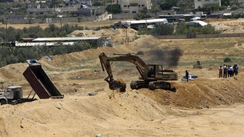 Hamas builds buffer zone in Gaza