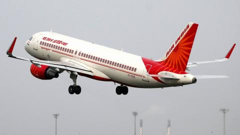 Air India considers major staff buyout
