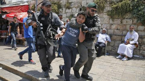 Clashes in Jerusalem as tension mounts over Al Aqsa security