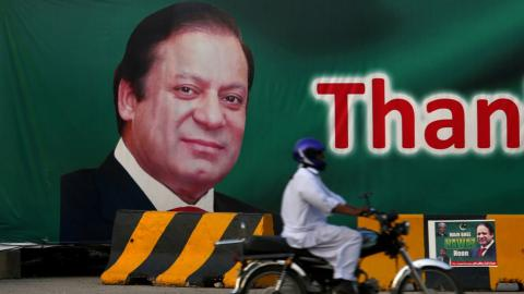 Pakistan PM's fate awaits verdict from Supreme Court
