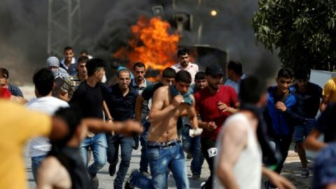 Fresh violence erupts in village of Palestinian stabbing suspect