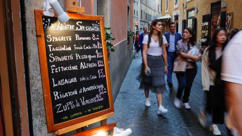 Italy announces new stimulus package to revive virus-hit economy