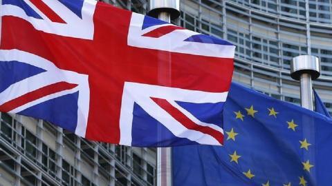 EU warns US of