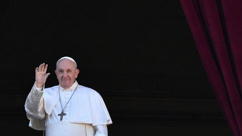 Pope Francis endorses civil unions for same-sex couples