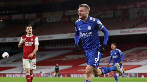 Vardy header helps Leicester win at Arsenal for first time  in 47 years