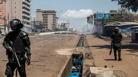 Guinea unrest leaves dozens dead as envoys try to mediate