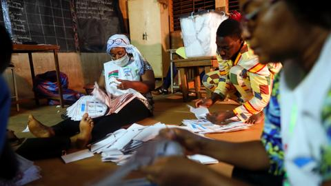 Incumbent Kabore leads in early presidential poll results in Burkina Faso